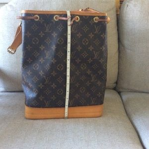 LOUIS VUITTON Monogram Noe GM